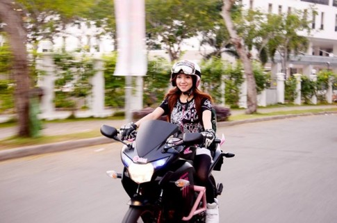 5 nữ biker cá tính với niềm đam mê xe phân khối lớn
