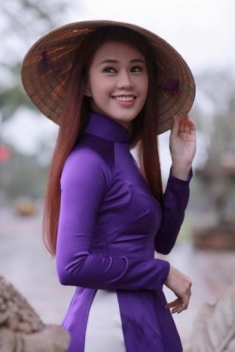 Chum anh dep: Hot girl Ngoc Thao khoe sac trong ta ao dai