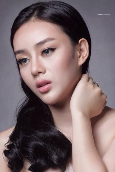 Hành trình lột xác của hotgirl Angela Minh Châu