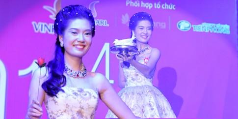 Hoa hau Viet Nam 2014 tro tai dien ao thuat