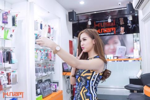 Hotgirl Kelly Nguyen tau iPhone 6 Gold som nhat tai Hnam Mobile
