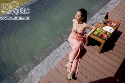 Ngất ngây trước vẻ đẹp kiêu sa của hoa hậu Thùy Lâm