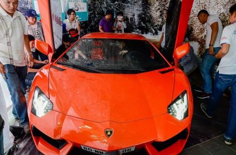 """Uong ca phe"" voi Lamborghini Aventador tai Sai Gon"