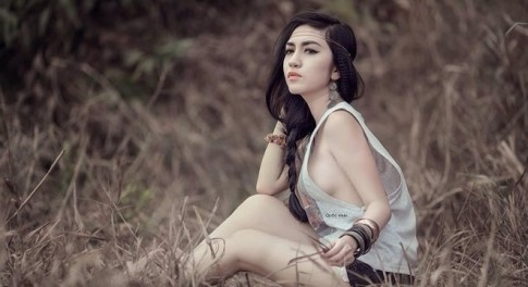 """Vẻ đẹp """"không thể rời mắt"""" của hot girl Tây Ninh"""