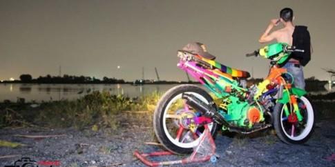 """Yamaha Exciter màu sắc sặc sỡ qua bàn tay """"dân chơi"""""""