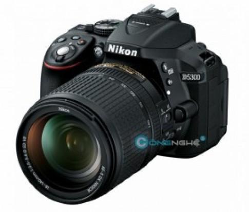Nikon D5300 moi voi noi luc tham hau