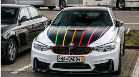 Hang hiem BMW M4 F82 Coupe DTM Champion Edition xuong pho