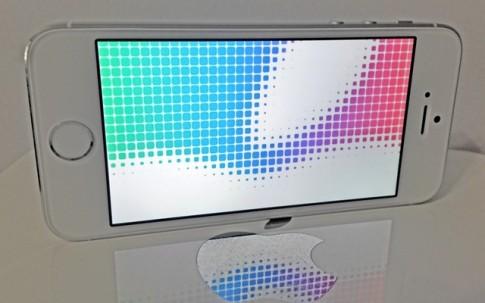 Apple iOS 8 tiep tuc dinh loi Bluetooth.