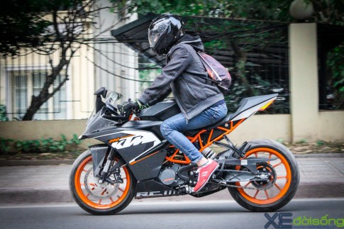 Can canh KTM RC200 chiec mo to gia re dau tien tai Ha Noi