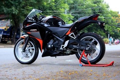 CBR 250 tông cam đen cá tính mạnh mẽ
