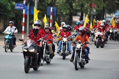 Cuộc diễu hành khuấy động đường phố của anh em môtô Hà Thành