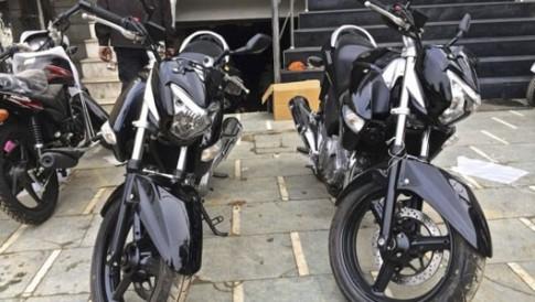 Doi thu cua Honda CB250R chinh thuc lo dien