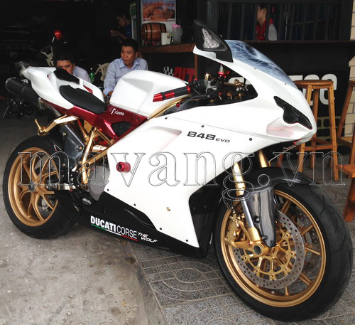 Ducati 848 EVO ma vang 24K doc nhat vo nhi tren the gioi tai Viet Nam