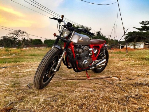 Honda CB750 do sieu ngau voi phong cach Tracker