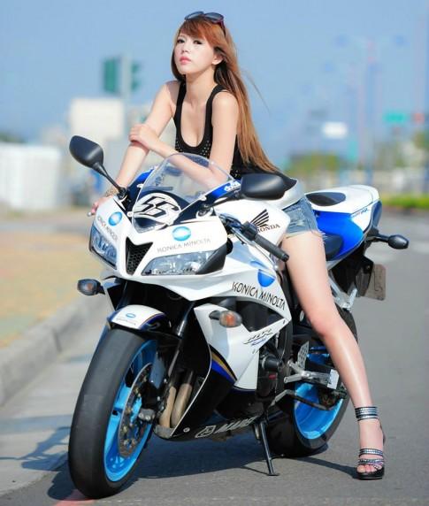 Honda CBR 600RR Limited Konica Minolta