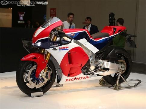 Honda chao ban mau xe dua MotoGP voi gia khoan 4 ty dong