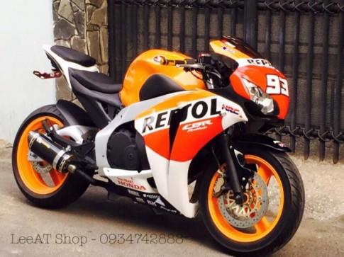 Honda Hornet 250 do CBR1000 voi phien ban Repsol cuc chat