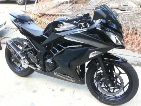 Kawasaki Ninja 300 do don gian voi po Yoshimura