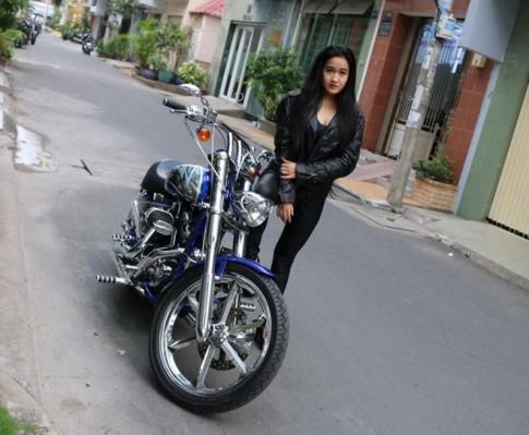 Nu biker Sai thanh va 9 nam gan bo voi phan khoi lon