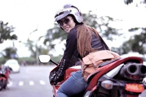 Nu biker Sai thanh va niem dam me mo to phan khoi lon