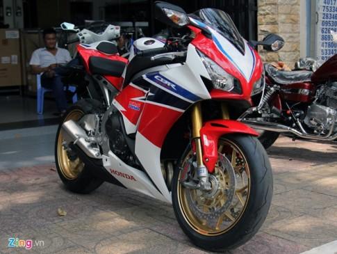 Superbike Honda CBR1000RR SP dau tien tai Viet Nam