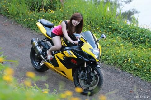 Suzuki GSX-R va em gai tuoi teen de men
