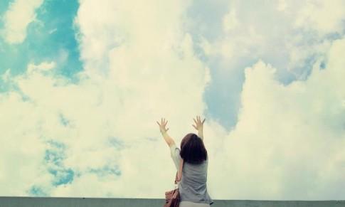 Tình yêu thì không nhất thiết phải có lí do, yêu đơn giản là yêu, thế thôi...