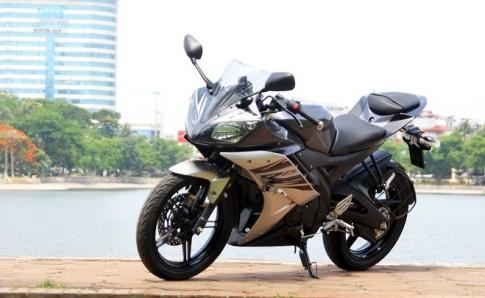 Yamaha R15 va Honda CBR150 2015 So Sanh chi tiet