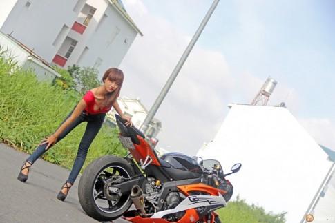 Yamaha R6 đọ dáng cùng teen girl trong Party ABMiralce
