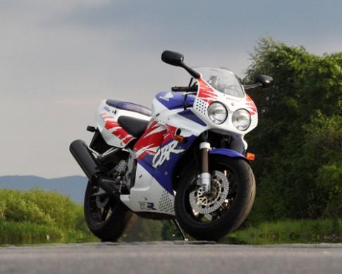 10 sportbike nổi bật nhất thập niên 90