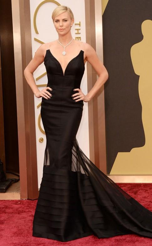 12 trang phuc dep nhat tham do Oscar 2014