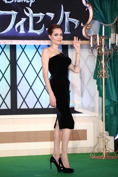 30 bo vay den quyen ru cua Angelina Jolie
