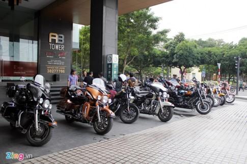 30 sieu moto Harley-Davidson hoi tu tai quan ca phe Sai Gon