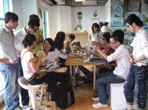 30 tác phẩm vào chung kết 'Aquafina Pure Fashion 2010'