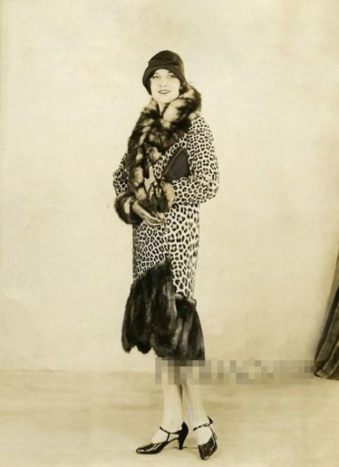 5 kieu ao khoac chinh phuc phai dep thap nien 1920-1960