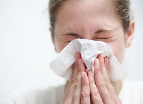 7 lý do khiến đồ trang điểm nhiễm khuẩn