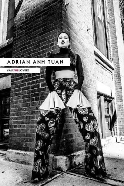 Adrian Anh Tuấn lăng xê họa tiết trái tim