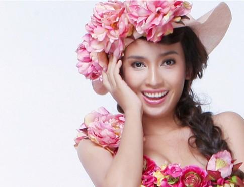 Ai Phuong bay bong trong vay hoa cua Vu Thu Phuong