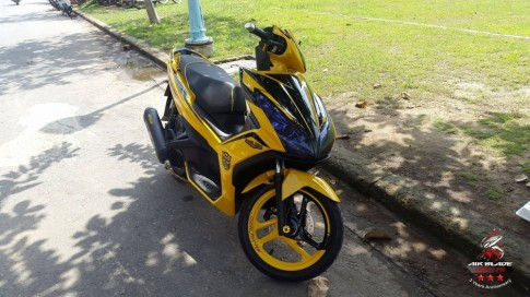 Air Blade 125 do noi bat voi phien ban Bumblebee