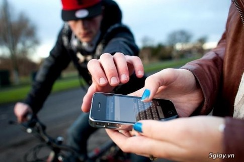 Apple, Samsung, Google, HTC, Apple,Samsung,MS cam ket tich hop tinh nang chong trom cho smartphone