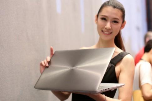 ASUS ra laptop cao cap Zenbook NX500, man hinh 4K