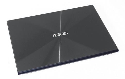 ASUS Zenbook UX302LG gia tri cua doanh nhan