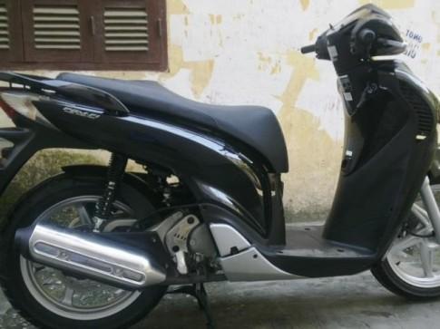 Ban Honda SH Viet Nam do chot 2012 .vanh trang dong ho co chu sh ,xe di 3000km