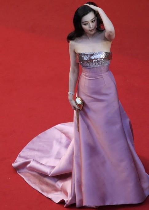 Bang Bang te nhat so voi Tu Di tai tham do Cannes