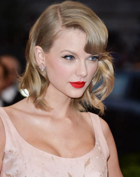 Bí quyết tạo vẻ ngoài thu hút của Taylor Swift
