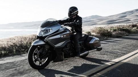 "BMW Concept 101 ra mat ""de doa ngoi vua"" Honda Gold Wing"