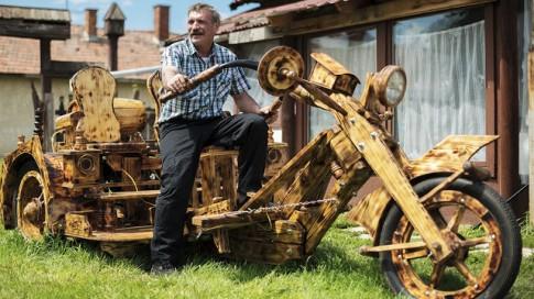 Bộ sưu tập những chiếc mô tô độ chopper bằng gỗ hiếm có