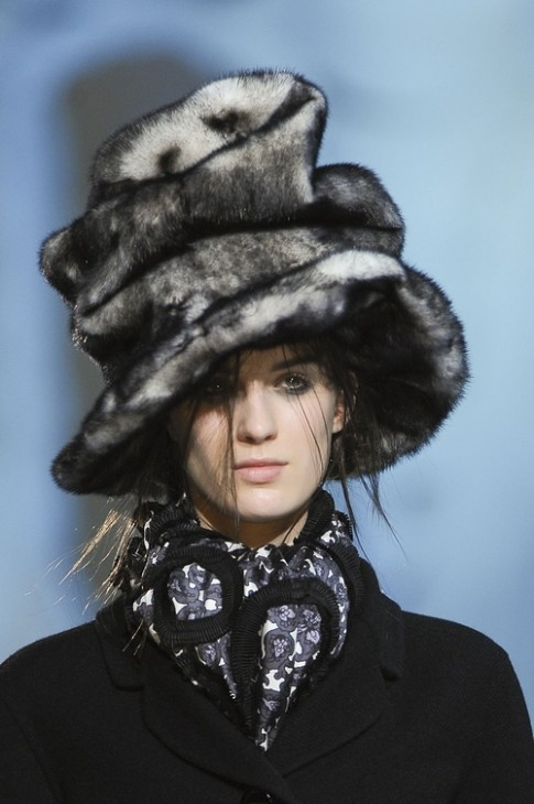 Cách phối đồ với các kiểu mũ thời trang