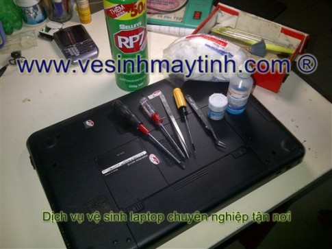 Cach ve sinh laptop Dell Ve sinh laptop Dell n5110