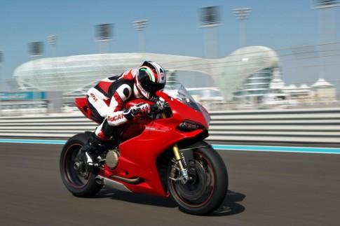 Cam nhan thuc te ve Ducati 1199 cua biker nuoc ngoai